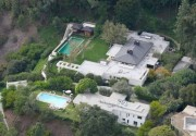 This beautiful home cost Ellen and wife Portia about 26.5 million. It has an amazing 2.3 acre lawn and comes with an olympic size pool, open air courtyard and indoor gym.