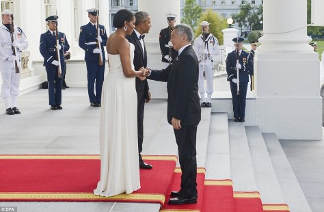 36D1C4C800000578-3720584-First_lady_Michelle_Obama_wearing_one_of_Lady_Gaga_s_favorite_de-a-36_1470187166313.jpg