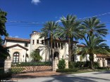 39981ce000000578-3862772-roomy_the_spanish_style_mansion_has_a_large_driveway_and_gate-a-6_1477163699135