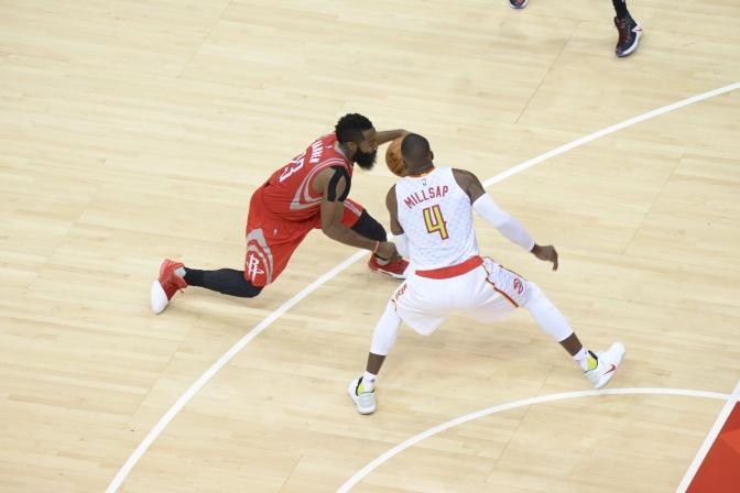 Hawks End Two Game Losing Streak, Beat Rockets 112-97