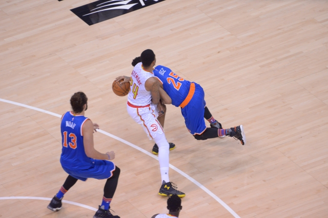 Derrick Rose And The Knicks Fall To Hawks After Anthony Hit With Flagrant 2 Penalty