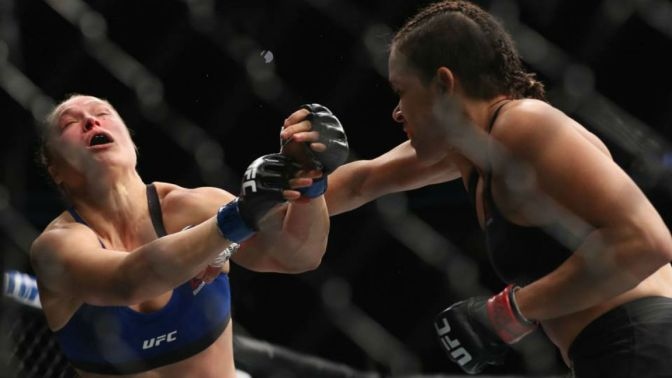 Just Give Me A Minute, Amanda Nunes Handles Ronda Rousey Quick In UFC 207