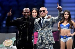 439A2DC600000578-4826896-Conor_McGregor_and_Floyd_Mayweather_appeared_at_a_press_conferen-a-35_1503821263962