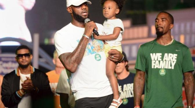 "{Video} LeBron James Reacts To ""So Called President"" Donald Trump's Charlottesville Remarks"