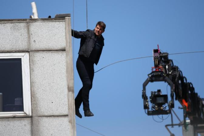 {Video} OUCH! Yo Tom…Use A Stunt Double! Cruise Misses Mark Filming Mission Impossible 6