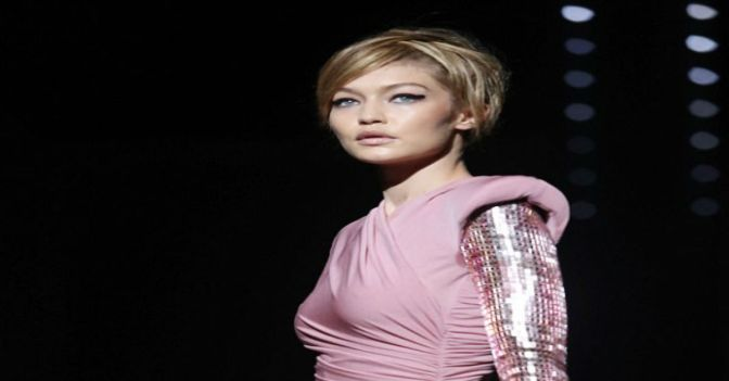 Tom Ford Kicks Off NYFW With SS18 Women's Collection Show Starring Gigi Hadid