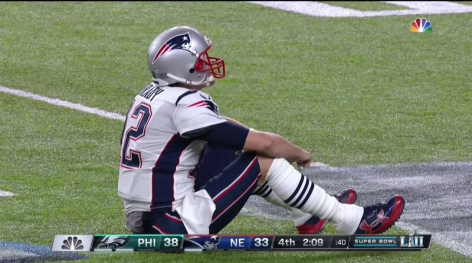 super-bowl-tom-brady-fumble-brandon-graham-sack-video