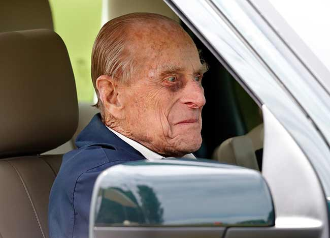 prince-philip-driving-windsor-horse-show-z