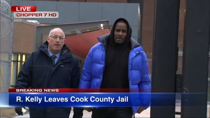 R. Kelly Mobbed By Media As He's Released From Jail