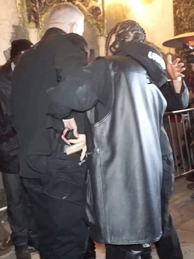 tyga-reaches-for-security-guards-gun-after-being-dragged-out-of-floyd-mayweathers-party