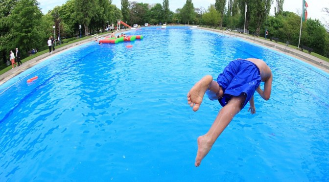 CDC Warns Of Fecal Parasite In Swimming Pools